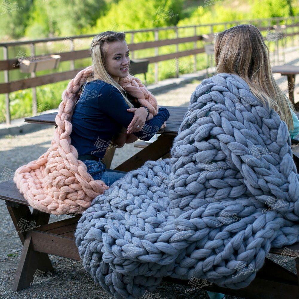Шерстяная пряжа для вязания пледа